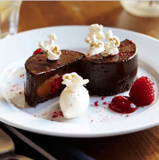 The Parlour London, Sunday Roast at the Parlour, desserts at The Parlous in London